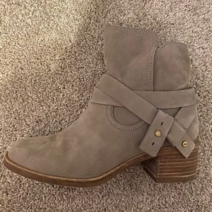 UGG Elora Ankle Boot